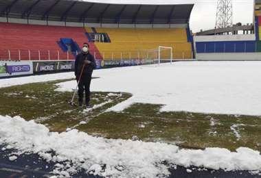 Así luce hoy la cancha del estadio Víctor Agustín Ugarte. Foto: Prensa Real SC
