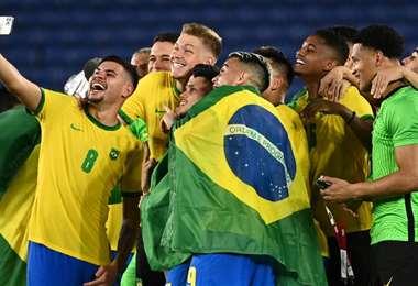 La selfie de los brasileños tras coronarse campeones en Tokio 2020. Foto: AFP
