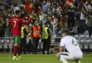 El festejo de Cristiano Ronaldo de cara al público. Foto: AFP