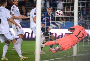 El gol de Griezmann a Bosnia-Herzegovina. Foto: AFP