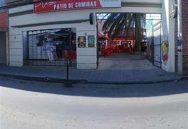 La galería comercial tiene 60 locales y el patio de comidas denominado Plaza