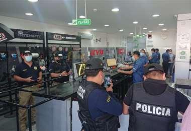 Los allanamientos se realizaron la tarde de este viernes en cinco sucursales de la empresa