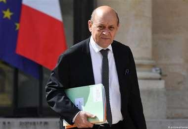 Canciller francés viajará a Catar