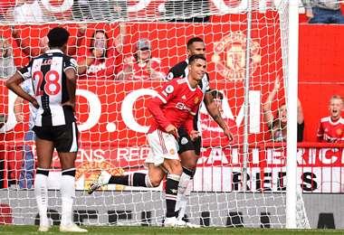 Cristiano Ronaldo ya marcó dos goles en su debut con el Manchester United. Foto. AFP