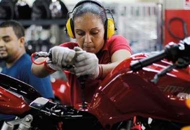 En la región, según el PNUD, solo el 40% de las mujeres participa en el mercado laboral