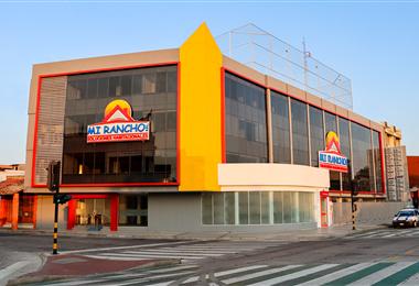 El nuevo edificio ubicado en la avenida Cañoto esquina Isabel La Católica