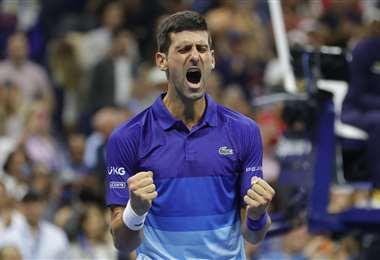 La celebración de Djokovic tras derrotar a Zverev. Foto: AFP