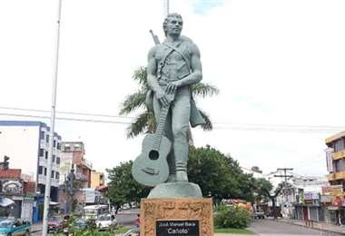 Monumento a Cañoto, situado en la venida de su nombre. Allí antes se le rendía homenaje