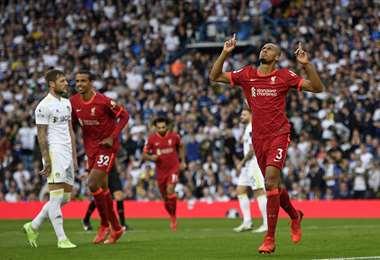 Celebra Fabinho, jugador del Liverpool, que hizo un gol este domingo. Foto: AFP