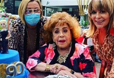 La diva del cine mexicano fue adulada por sus familiares en su cumpleaños