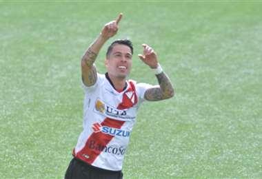Javier Sanguinetti celebra el gol que le marcó a Real Santa Cruz. Foto: APG