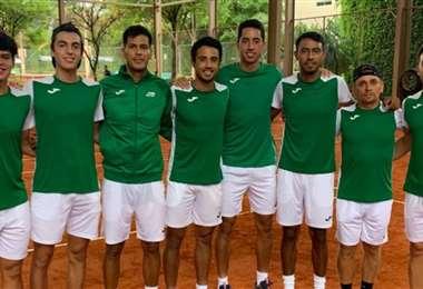 Los integrantes del equipo boliviano en Paraguay. Foto: FBT