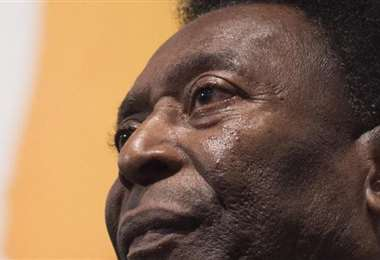 Pelé fue considerado el rey del fútbol en la década de los 70. Foto: Internet