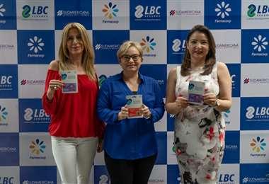 María del Rosario Paz (centro) en la presentación del seguro