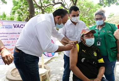 Brigadas de vacunación llegan a Pailón. Foto: Hubert Vaca
