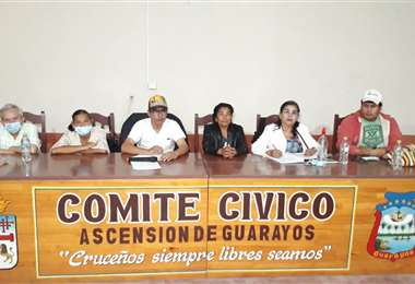 Cívicos de Guarayos alistan cabildo en defensa de la tierra. Foto Desther Ágreda