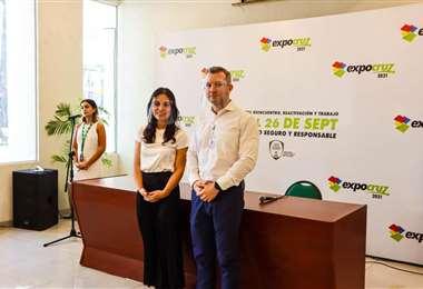 Carola Aguilera y Raul Strauss presentaron la promoción