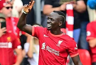 Mané convirtió su gol número 100 con la camiseta del Liverpool. Foto: AFP