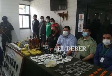 Dinero, droga y otros objetos decomisados en Palmasola/Foto: Juan Carlos Torrejón