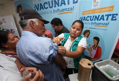 La vacunación masiva continúa en todo el país. Foto. Internet