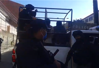 La intervención policial en Adepcoca I captura.
