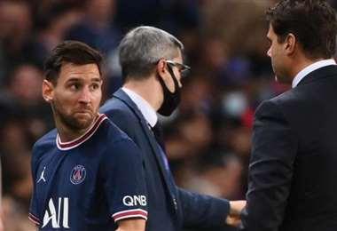 A Messi no le gustó para nada el cambio que realizado por el DT. Foto: Internet