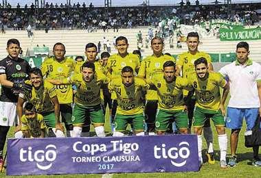 Uno de los últimos equipos con los que Petrolero jugó en la División Profesional