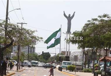 Bandera cruceña gigante en el Cristo Redentor/Foto: Juan Carlos Torrejón