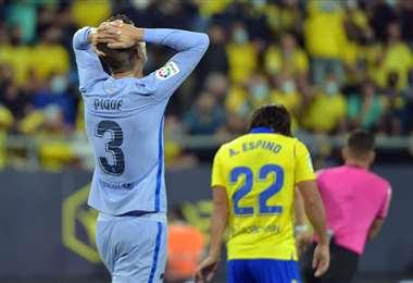El lamento de Gerard Piqué, defensor del Real Madrid. Foto. AFP