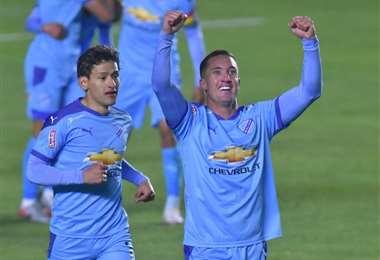 Ramos celebra su gol con Ábrego. Foto. APG