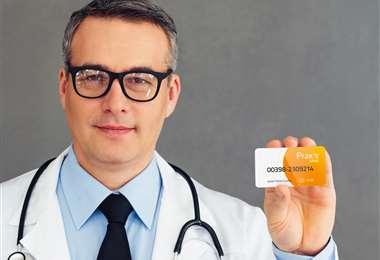 Mediante un solo pago anual, PRAXIS SALUD le entrega al paciente una tarjeta de membresía