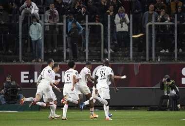 La celebración de los jugadores del PSG que volvieron a ganar este miércoles. Foto: AFP