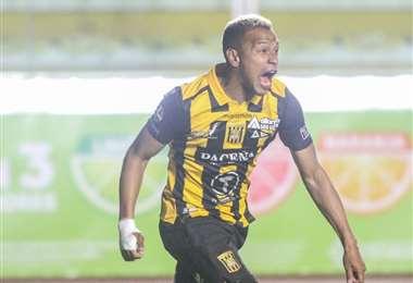 Jair Reinoso, goleador del Tigre. Foto: The Strongest