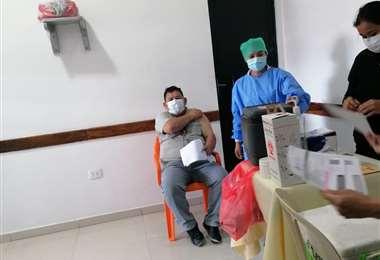 Inmunizan contra el coronavirus a los reclusos en Palmasola