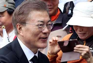 Moon Jae-in, planteó la posibilidad de prohibir la carne de perro