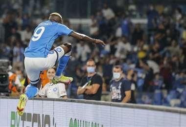 La celebración del nigeriano Víctor Osimhen tras macar un gol para Nápoles. Foto: AFP