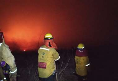 El fuego se reactivo el fin de semana en Otuquis/Foto bomberos Rescate Urbano