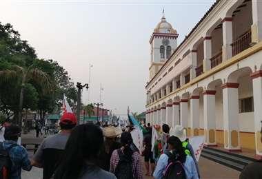 El bloque central de la marcha llegó a las 06:00 a Cotoca. Foto: Mercerdes Fernández