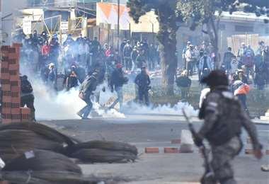 Vecinos reclaman los excesos de la policía en la represión a cocaleros. Foto:APG