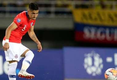 Nicolás Díaz, defensor de la selección chilena. Foto: Internet