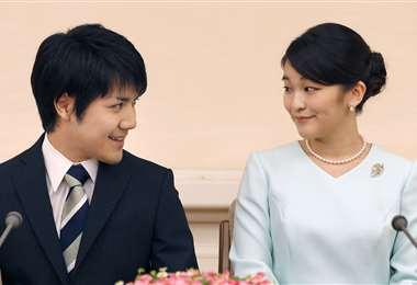 La princesa Mako de Japón y su prometido, Kei Komuro. Foto El País