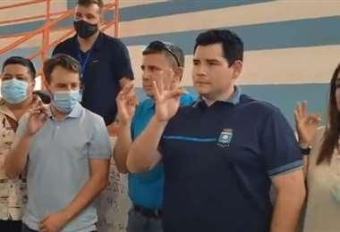 Sebastián Peña (segundo de la dcha.) en el momento de su juramento. Foto: Internet