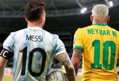Messi y Neymar son las figuras de este clásico sudamericano. Foto: Internet