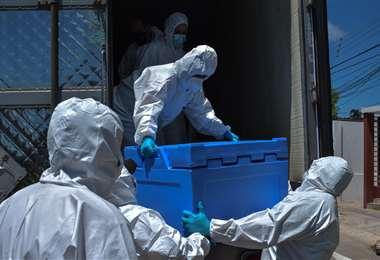 Con el lote de hoy (3,3 millones) Bolivia ha recibido 9 millones de vacunas chinas