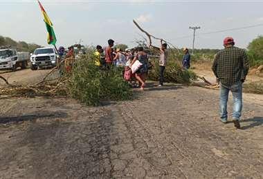 El bloqueo fue levantado esta tarde por los Ayoreos/Foto EL DEBER