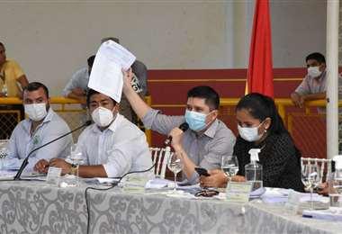 Reunión para aprobar el POA y su ejecución presupuestaria (Foto: Alcaldía de Santa Cruz)