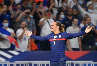 La felicidad de Griezmann que marcó este martes dos goles para Francia. Foto: AFP