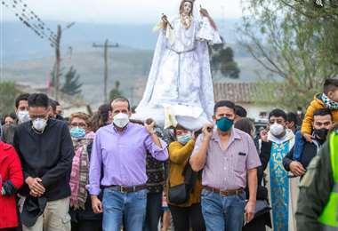 La procesión de la virgen se dio la mañana de este miércoles en la comunidad Guadalupe.