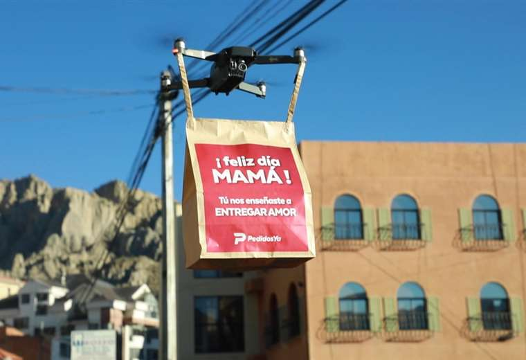Delivery company PedidosYa celebrates Mother's Day by delivering gifts thanks to drones in Bolivia