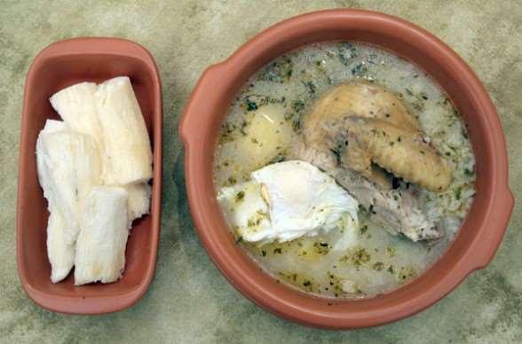 Sírvase un rico locro, el tradicional plato de la cocina camba | EL DEBER